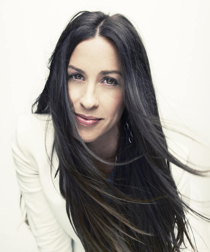 HOW ALANIS MORISSETTE TAUGHT ME TO FEEL MY FEELINGS